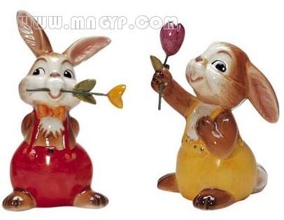 手绘兔子玩偶 壁纸